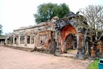 The Ta Tra building of Dien Tho Palace in Hue. Nhan Dan, 20121025
