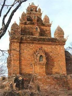 Porome Tower in Ninh Thuan Province, Viet Nam News 20121012