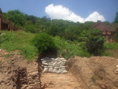 8th century walls found at the Po Dam Temple, Tuoi Tre News 20121016