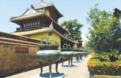 Tripod Cauldrons at Hue's Imperial Citadel, Viet Nam News 20121004