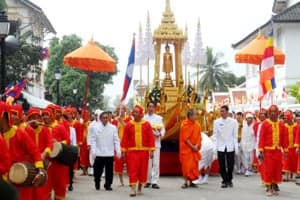 Prabang moved to new shrine, Vientiane Times 20131216