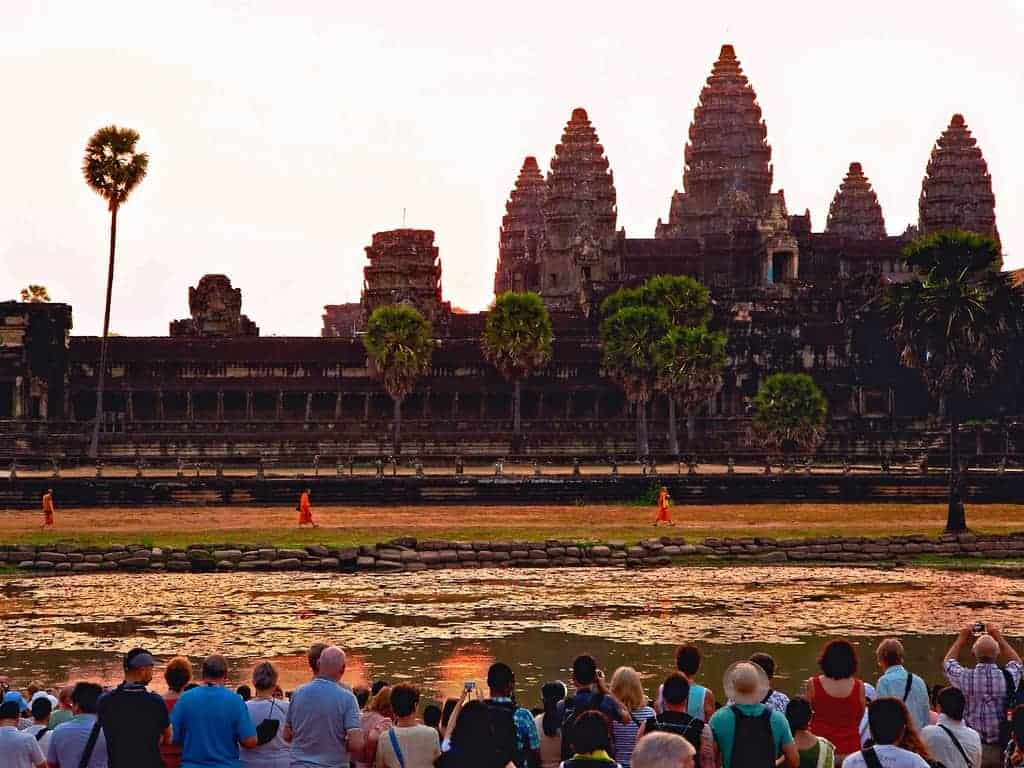 Should Angkor cap visitors?