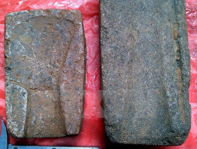 Bronze moulds found in Yen Bai Province