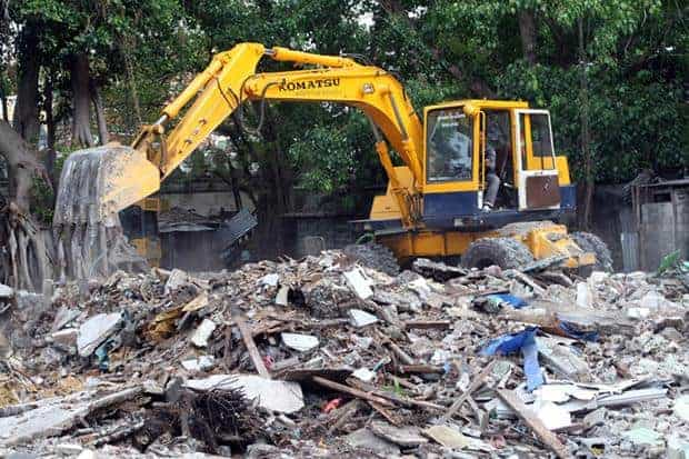 Mahakan Fort community destruction, Bangkok Post