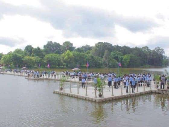 Floating bridge to Angkor Wat temple opens to foreign tourists