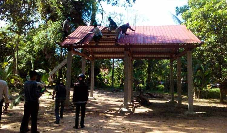 Illegal Angkor homes still being removed