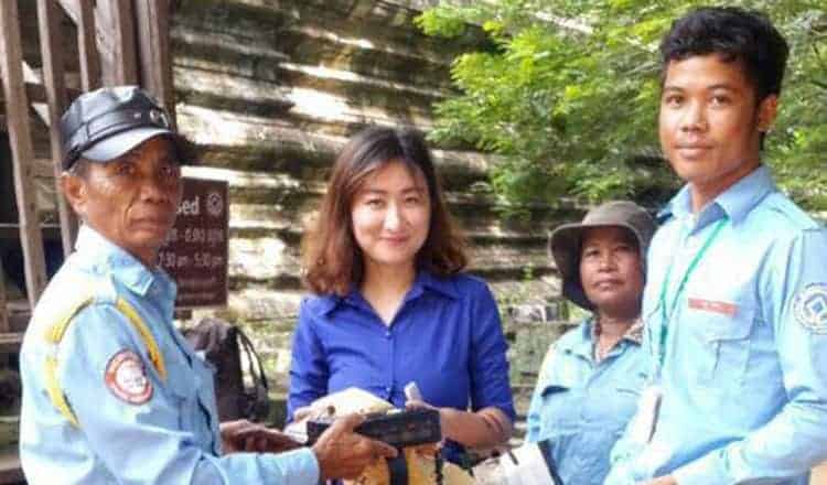 Apsara Authority bans tourists, assists others
