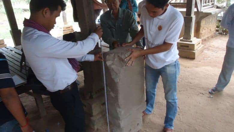 Farmer discovers mystery stone tablet in Anlong Veng