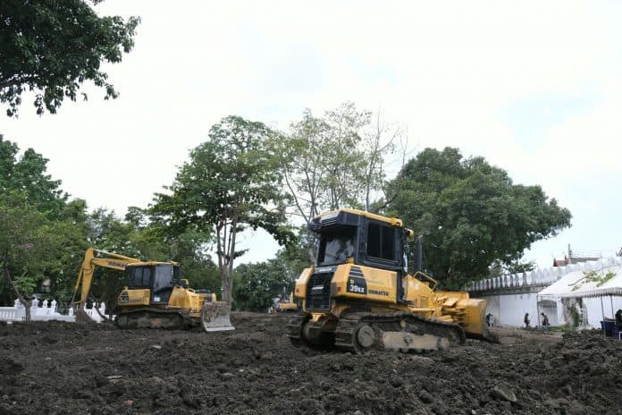 Bangkok Budgets 69M to Renew Pom Mahakan