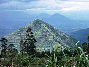 Possible pyramid at Mt Sahidarup? VIVAnews, 20120130