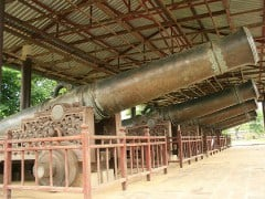 Sacred cannons from Hue, Tuoi Tre News 20120208