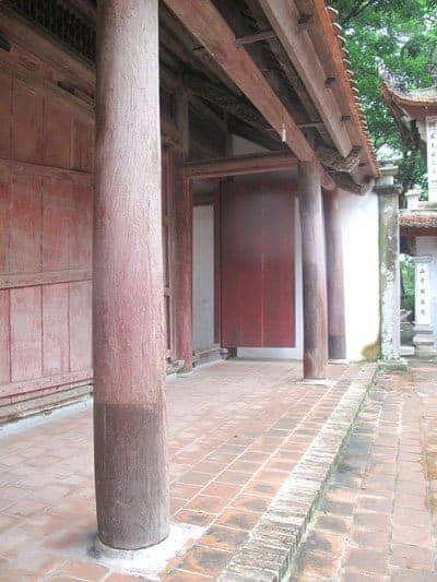 Restorations at Va Temple in Hanoi, Vietnam Net 20121029
