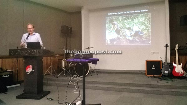 Dr Lindsay Lloyd-Smith speaking at the Sarawak Museum. Source: Borneo Post 20140825