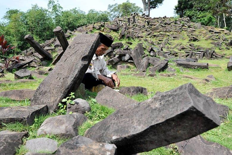 Gunung Padang site, Java. Source: Jakarta Globe 20141028