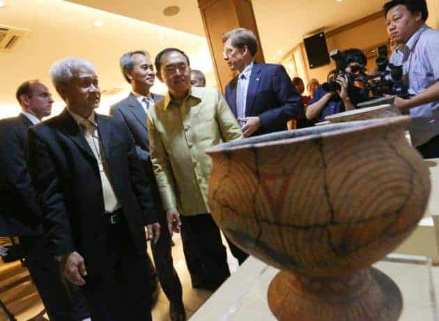 Return of Ban Chiang artefacts from the US. Source: The Nation, 20141120
