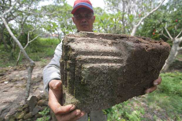 Remains of Majapahit-era relics found in Trowulan district. Source: Sindonews 20150410
