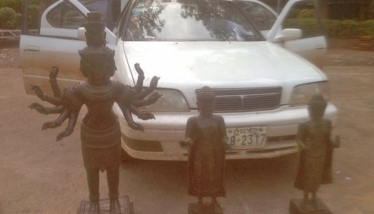 Statues confiscated at the Thai-Cambodian border. Source: Phnom Penh Post 20150427