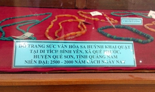 Beads found in the Lai Nghi archaeological site in central Vietnam. Source: Viet Nam Net 20150513