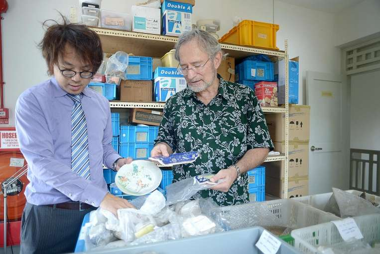 Singapore archaeologists Lim Chen Sian and John Miksic. Source: Straits Times 20150727