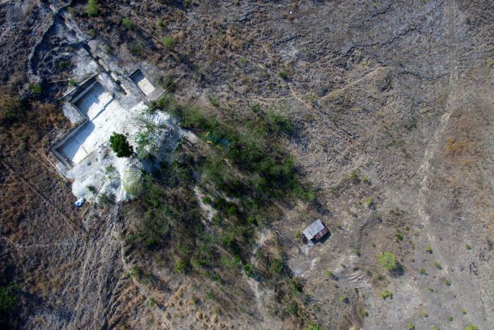 Possible Hobbit ancestors found in Flores, dating 700,000 years