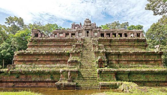 China to fund restoration of Angkor Thom site