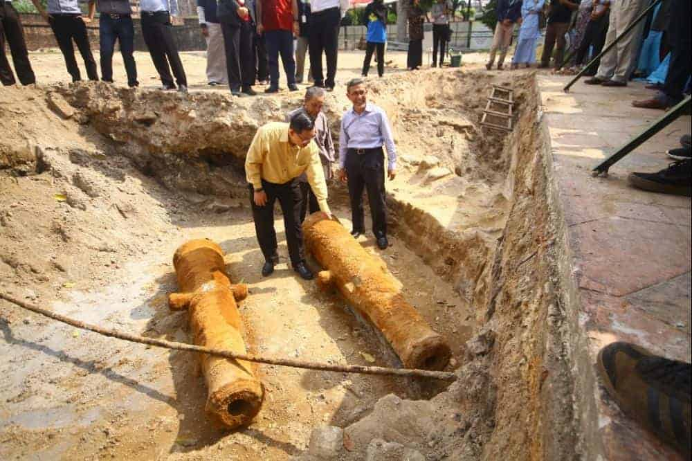 Archaeologists find two historic cannons at Fort Cornwallis