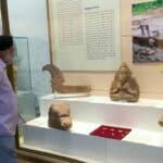 Vietnamese archaeological treasures introduced to public