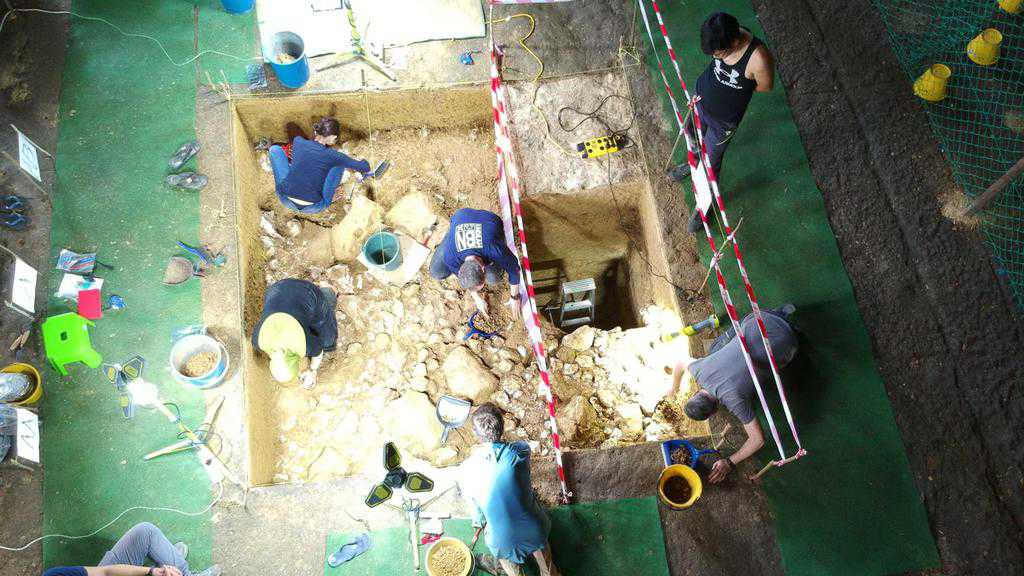 Trader's Cave Excavation. Source: ABC news 20181027
