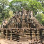 Apsara Authority looks to relocate Preah Pithu temple vendors