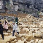 Scientists search the Xuan Dai Mountain site. They have uncovered big stones that served as Thong Pagoda's foundation. Source: Vietnam Plus 20190305