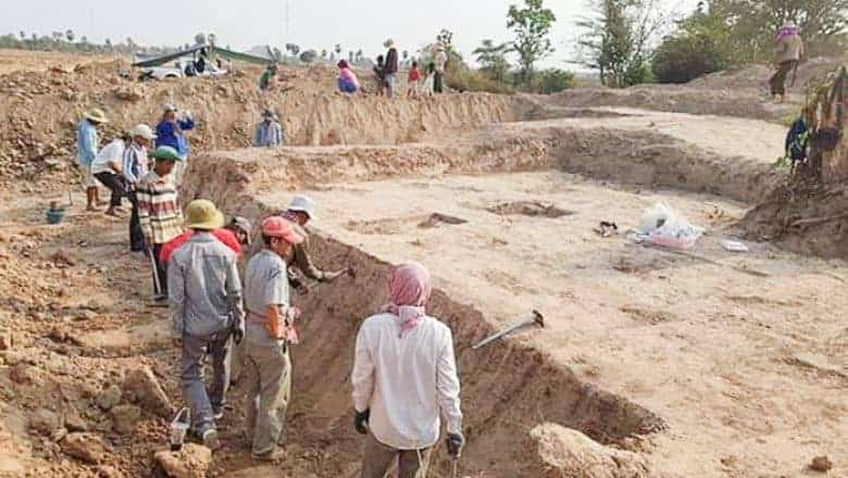 Excavations in Prey Veng province. Source: Phnom Penh Post 20190408