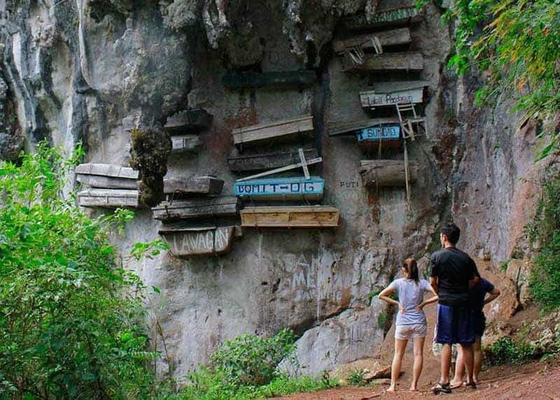 Sagada cliff coffins. via SunStar.com, 20190513