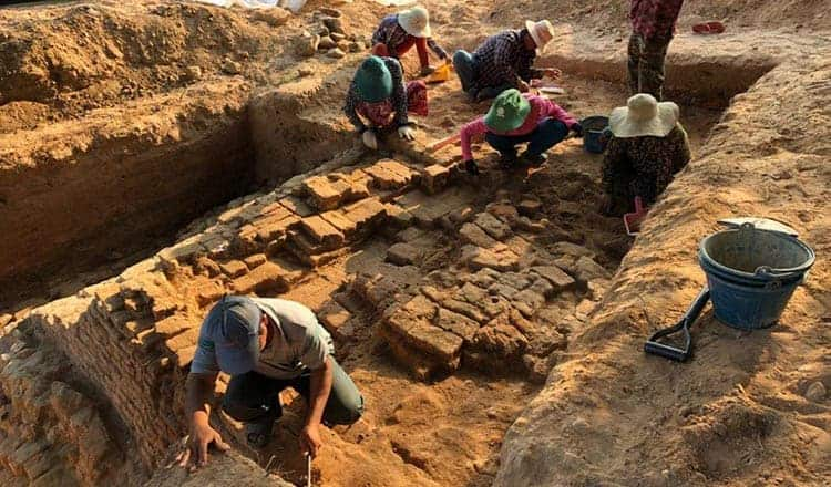 Excavations at Ak Yum temple. Source: Khmer Times 20190425