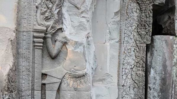 Damaged apsara bas-relied, falsely attributed to Preah Vihear. Source: Phnom Penh Post 20190530